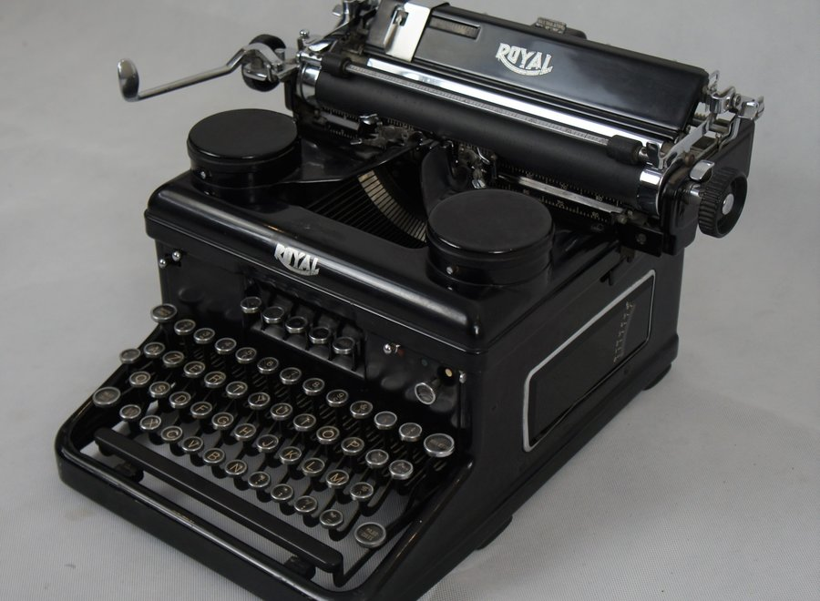 "Type H Typewriter ""Royal"" - 1934"