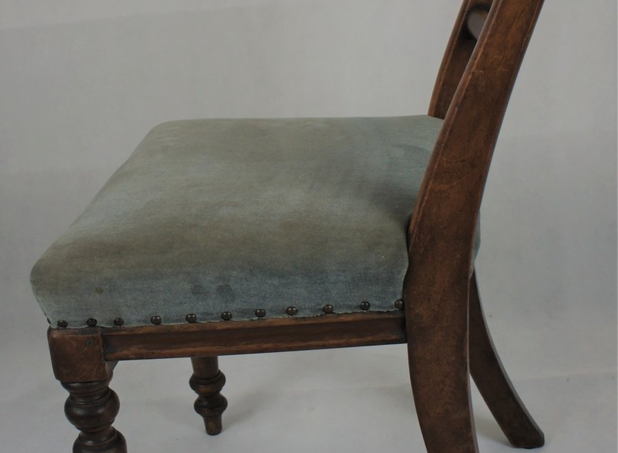Simple, heavy Victorian chair - Ca 1860
