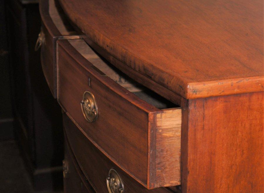 Dressoir met gebogen voorkant - UK - Ca 1800