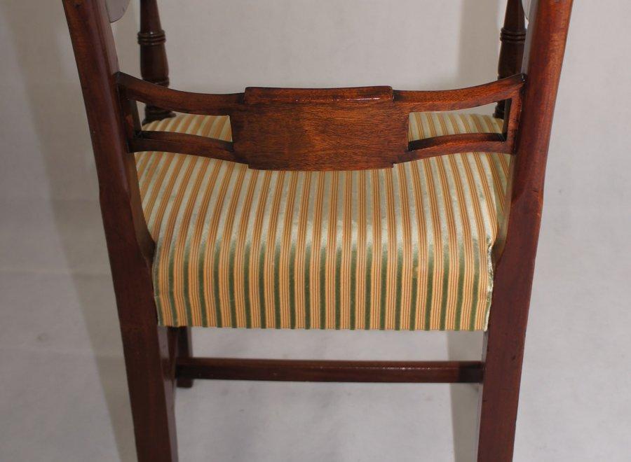 Confortabele stoel met stevige armleuning - UK