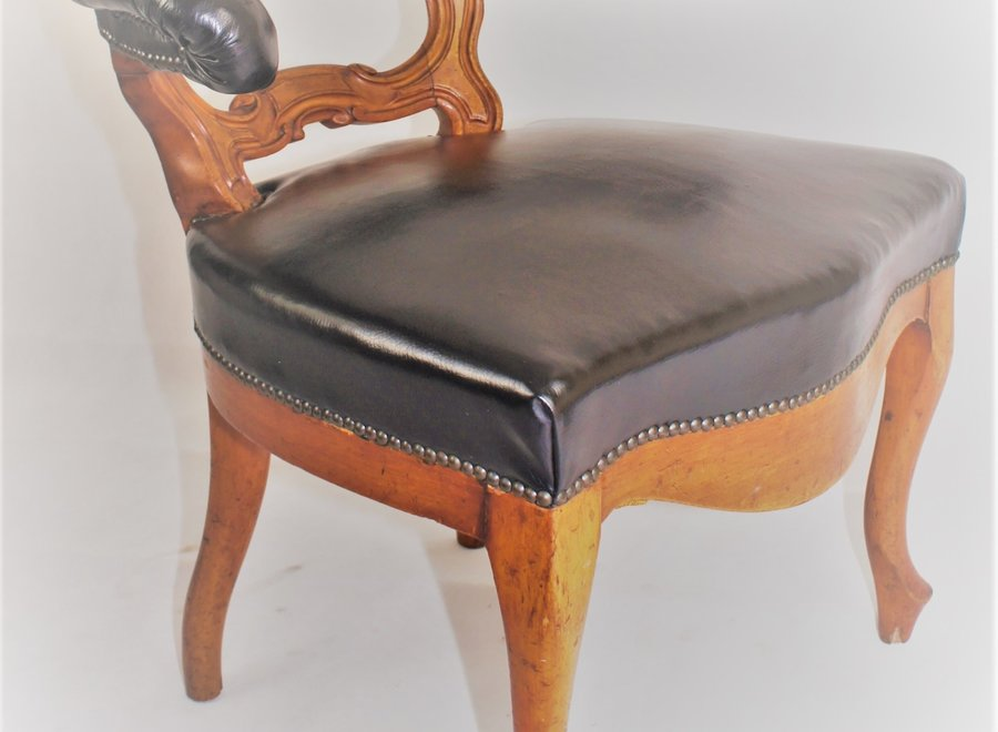 Office chair - Chesterfield style