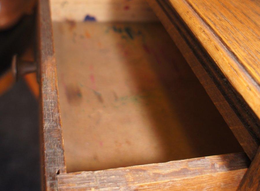 Halkast in een dunne laag hout, eigen aan de peroide