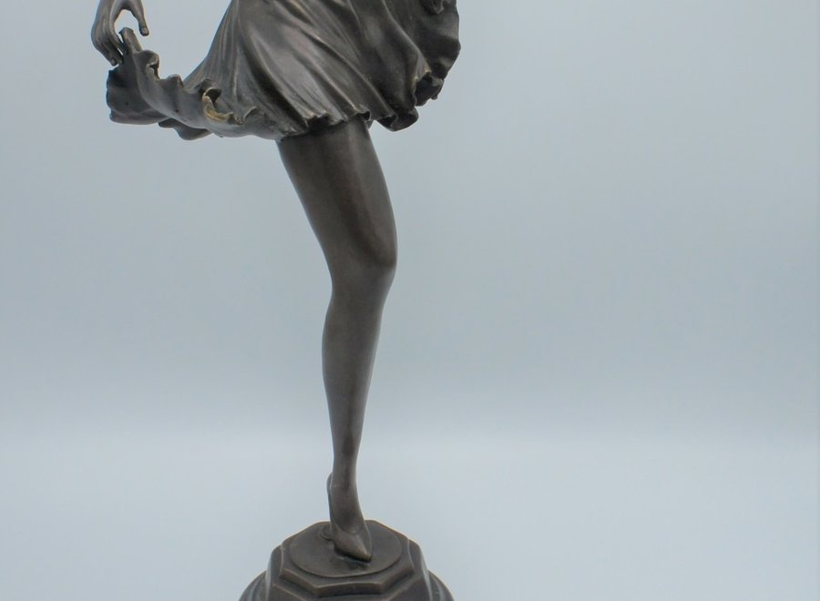 "Bronze statue of dancer - ""Fonderie Bords de Seine"""