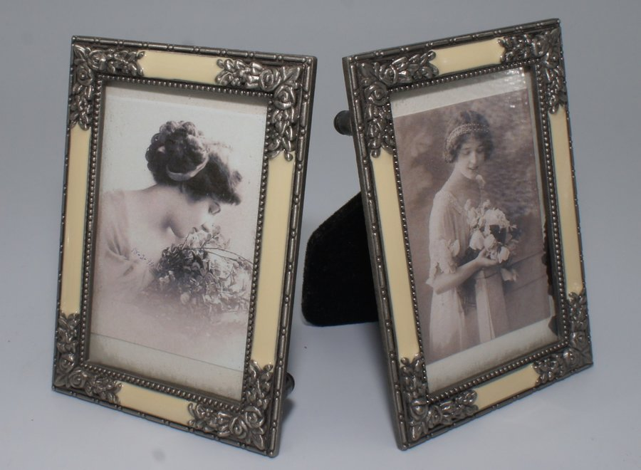 Small elegant photo frames with flat glass, imitation mother-of-pearl and floral metal