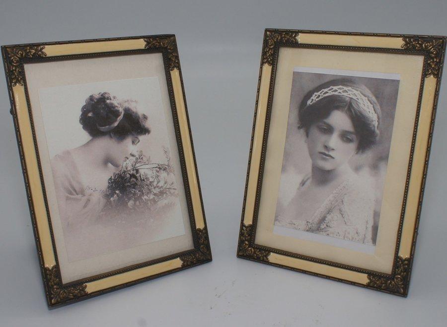 Elegante fotokaders met vlak glas, imitatie parelmoer en sierlijk metaal