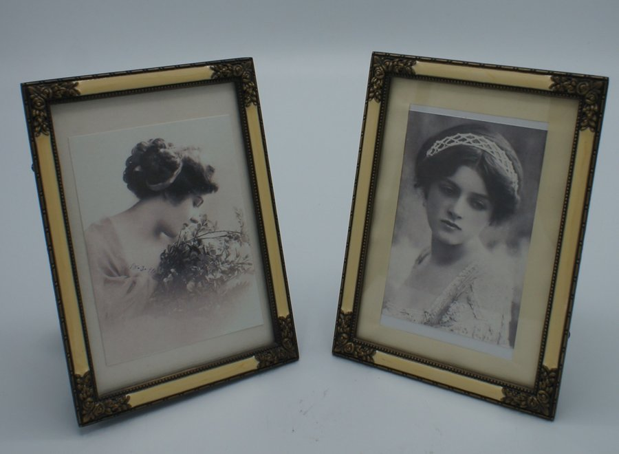 Elegant photo frames with flat glass, imitation mother-of-pearl and floral metal