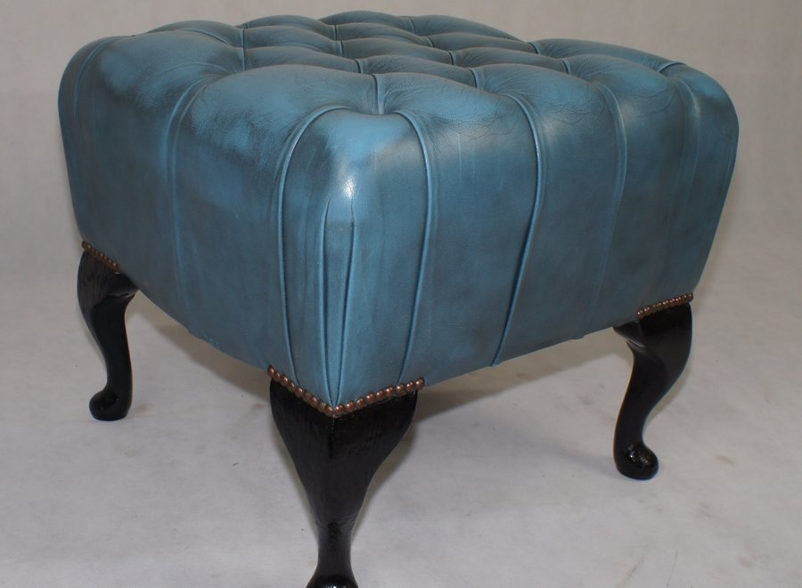Set in Chesterfield style - Springvale label