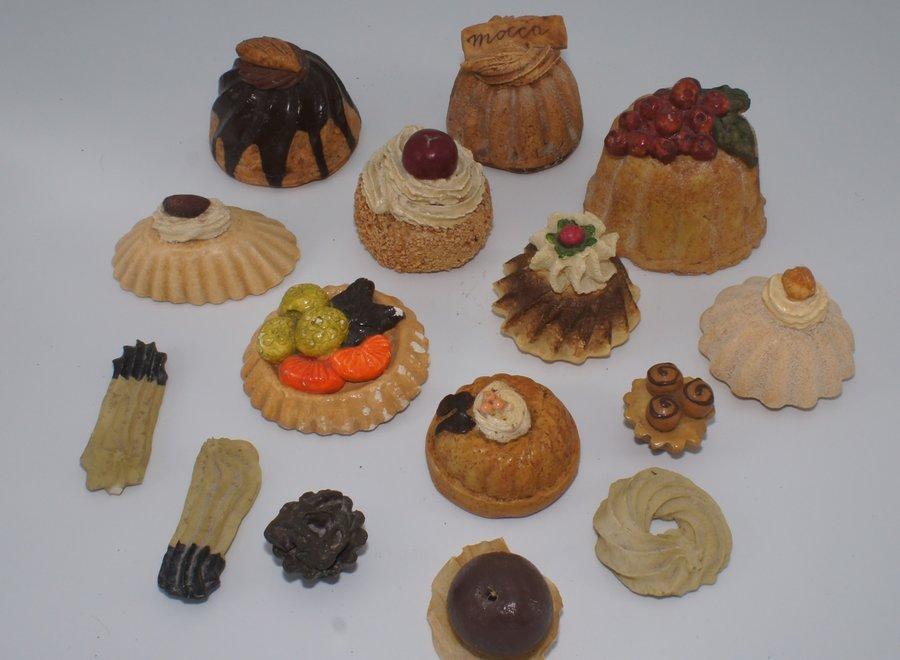 Set van 15 decoratieve gebakjes (excl.étagère)