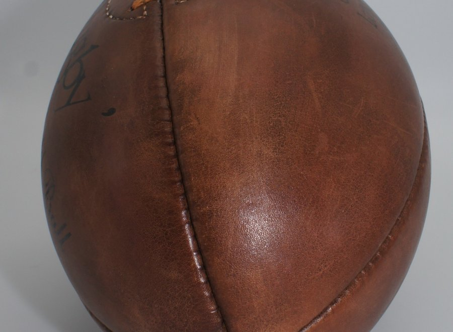 Vintage lederen matchbal J. Hoppkins and Sons London
