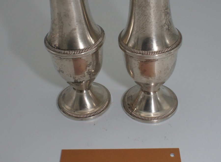 Salt and pepper shakers - sterling silver - Duchin