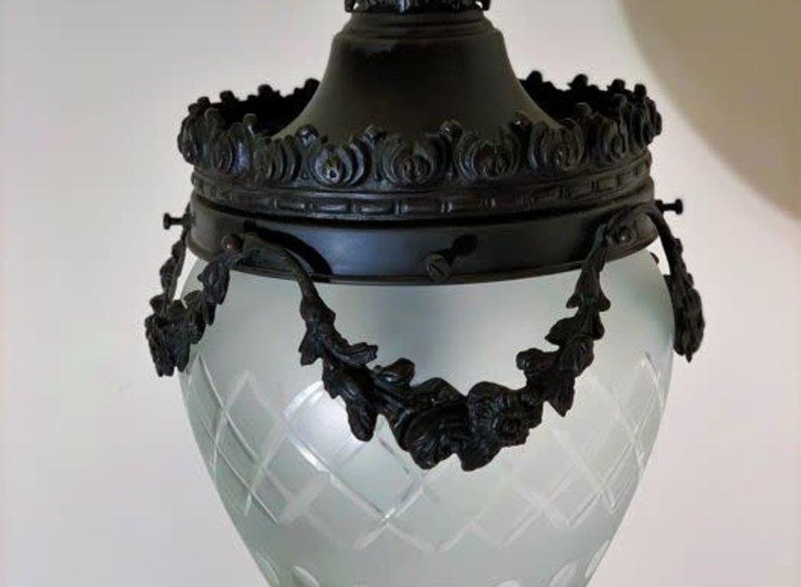 Bronzen halluster met kristal geslepen glas
