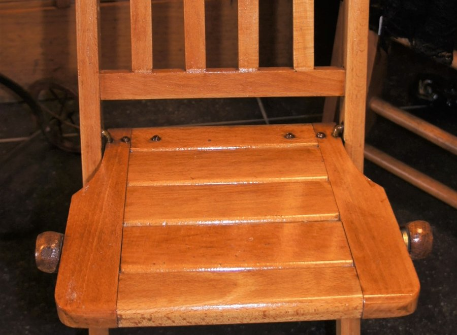 2 children's folding chairs - beech wood - Belgium - Ca 1950/1974