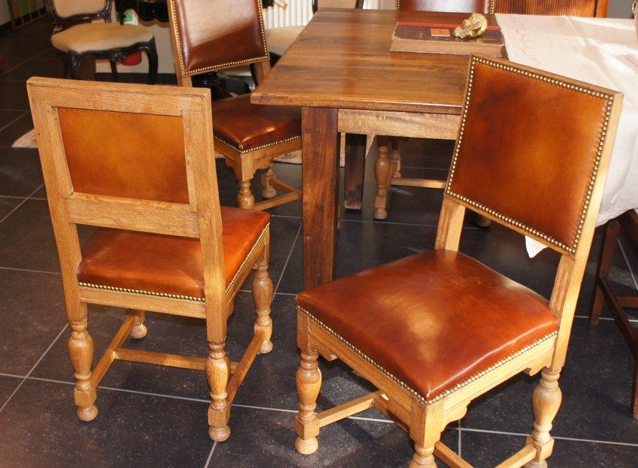 Gerestaureerde eiken stoel