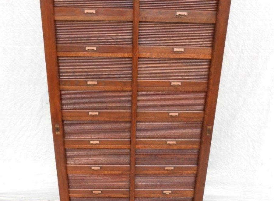 Filing cabinet with separate shutters