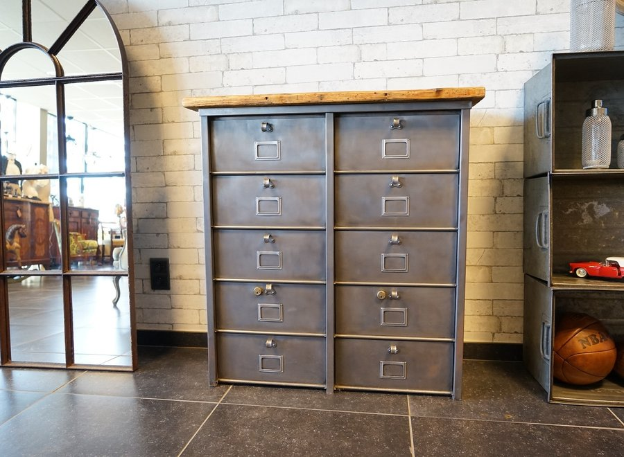 Strafor metal cabinet with 10 compartments and top in old wood
