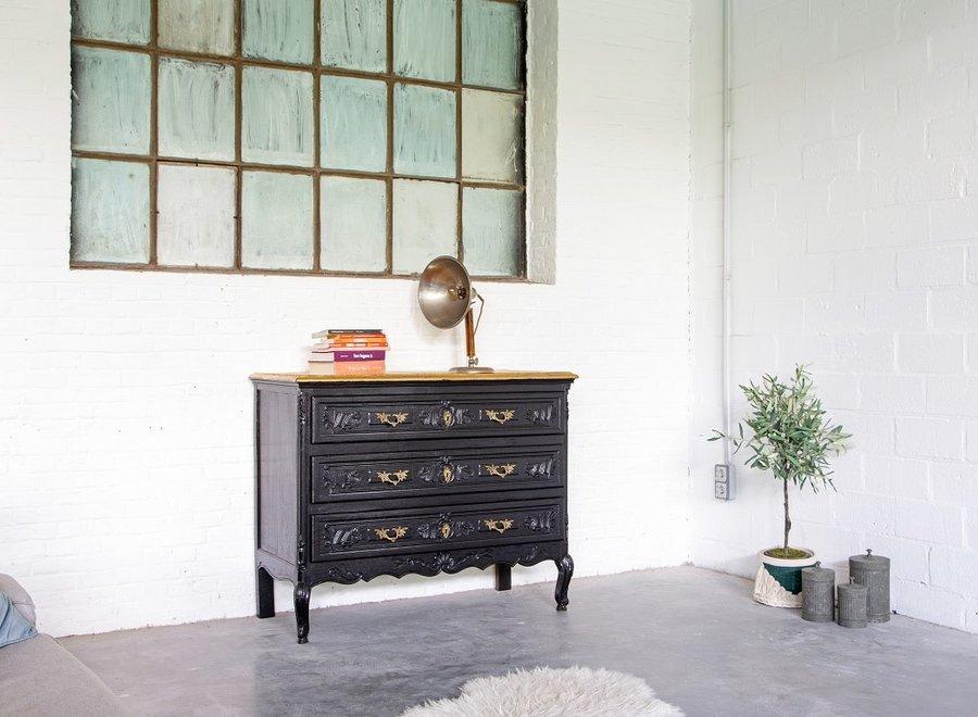 Elegant black chest of drawers