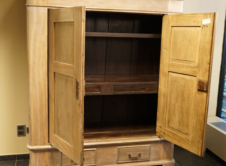 Solid oak cabinet from Germany from the 19th century