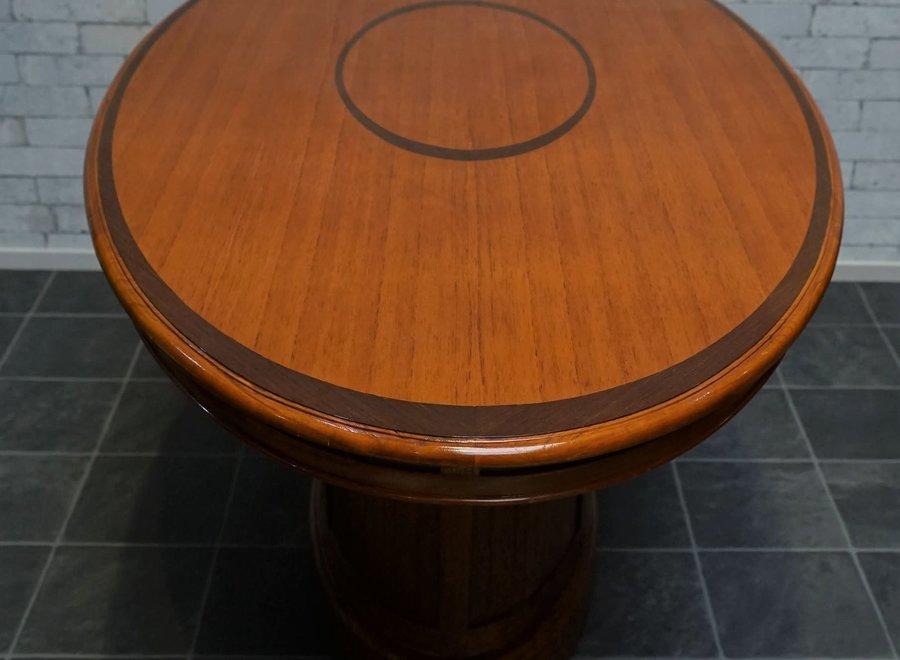 Ovale eettafel voor 4 in witte ceder (uitgevoerd in warme kleur van kerselaar)
