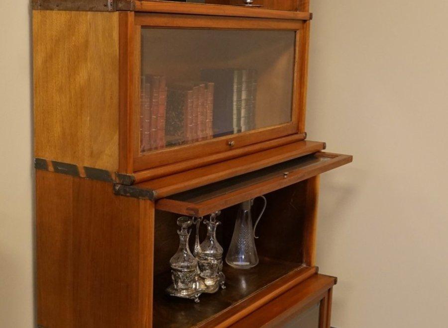 Globe Wernicke Waterfall boekenkast in notelaar - The Standard Style