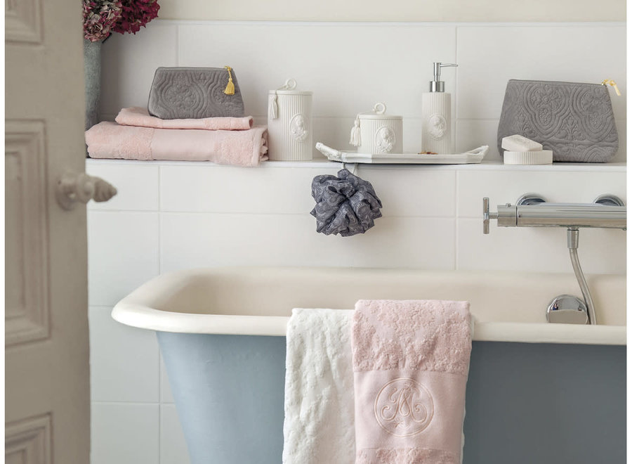 """Mathilde M"" towel Broderie - Nude - 50 x 100 cm"