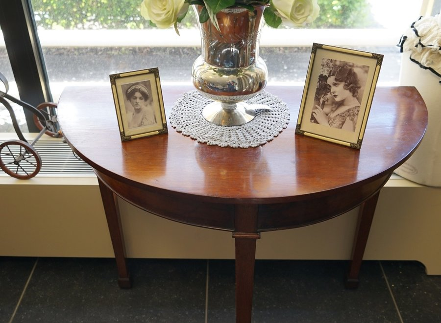 Acajou demi lune side table - 19th cent