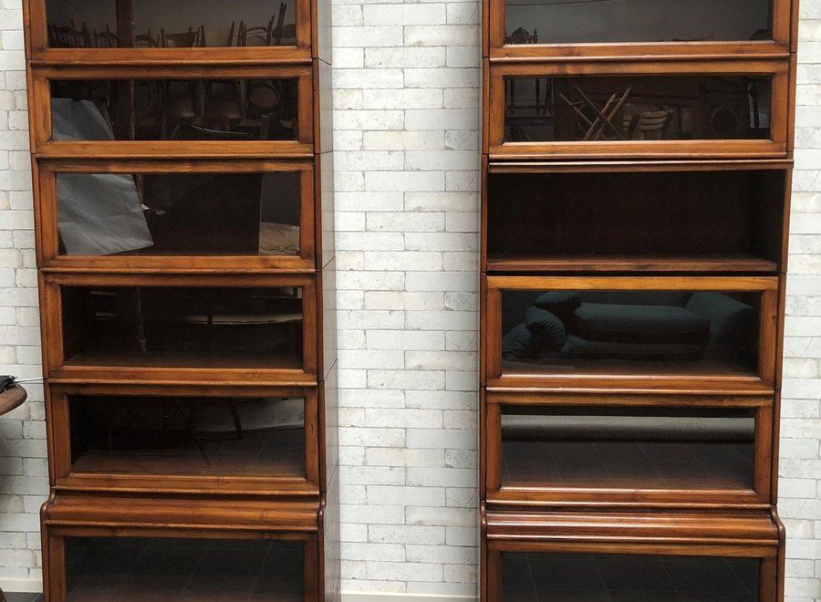 Bookcase in Globe Wernicke - style with 6 modules