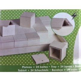 Houten dienblad met 24 houten doosjes van 5cm