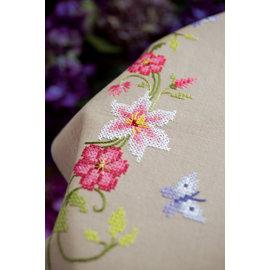 Vervaco Tafelkleed kit Roze bloemen met vlinders