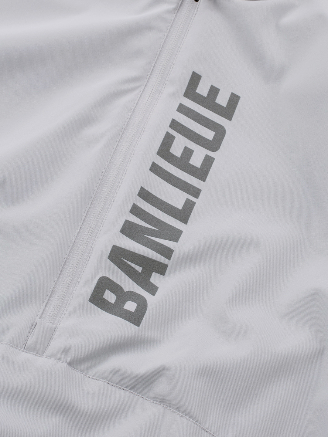 BANLIEUE X ROBEY ANORAK LIGHT GREY