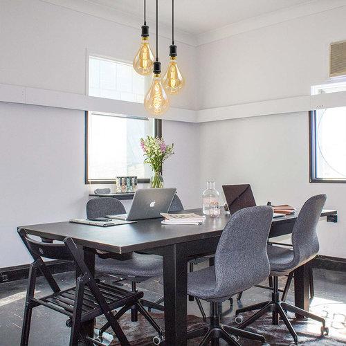 Moderne mat zwarte snoerpendel incl. 8,5W tot 10W XXL lamp, amber glas, 2000K, Ø160