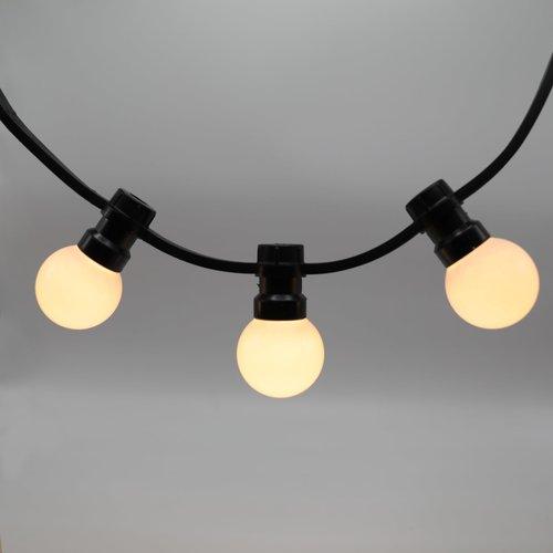 Lichtsnoer voor buiten van 34 meter met 70 melkwitte LED lampen