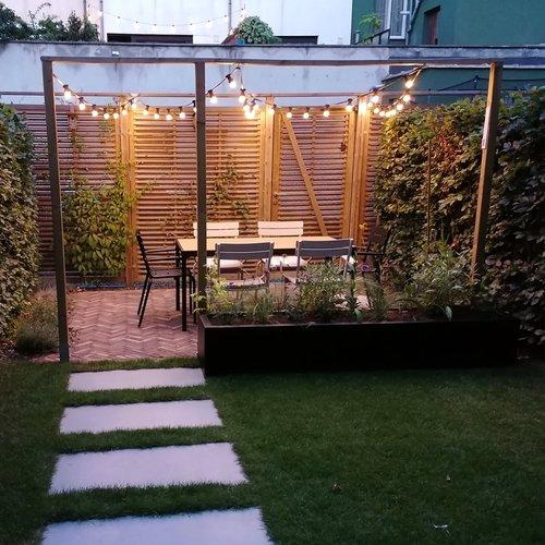 Lichtsnoer voor buiten van 10 meter met 20 melkwitte LED lampen