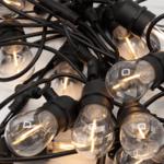 Solar lichtsnoer voor buiten met 15 lampjes in hangende fittingen - 15 meter
