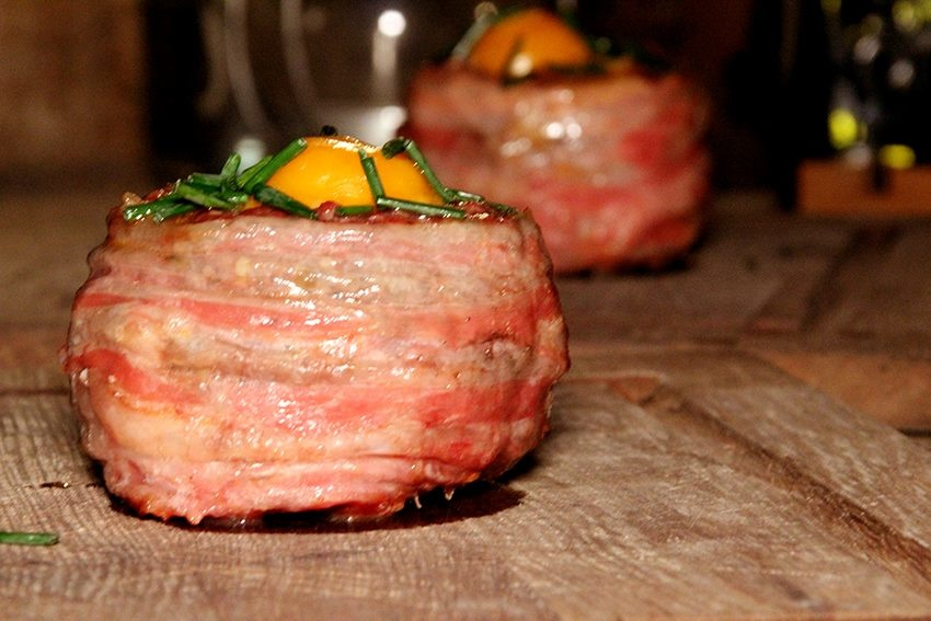 BEEF-X BEER BOTTLE BURGERS MET EI