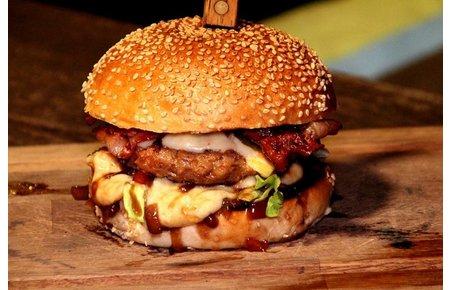 Waards rund Waardse jalapeno cheddar hamburger