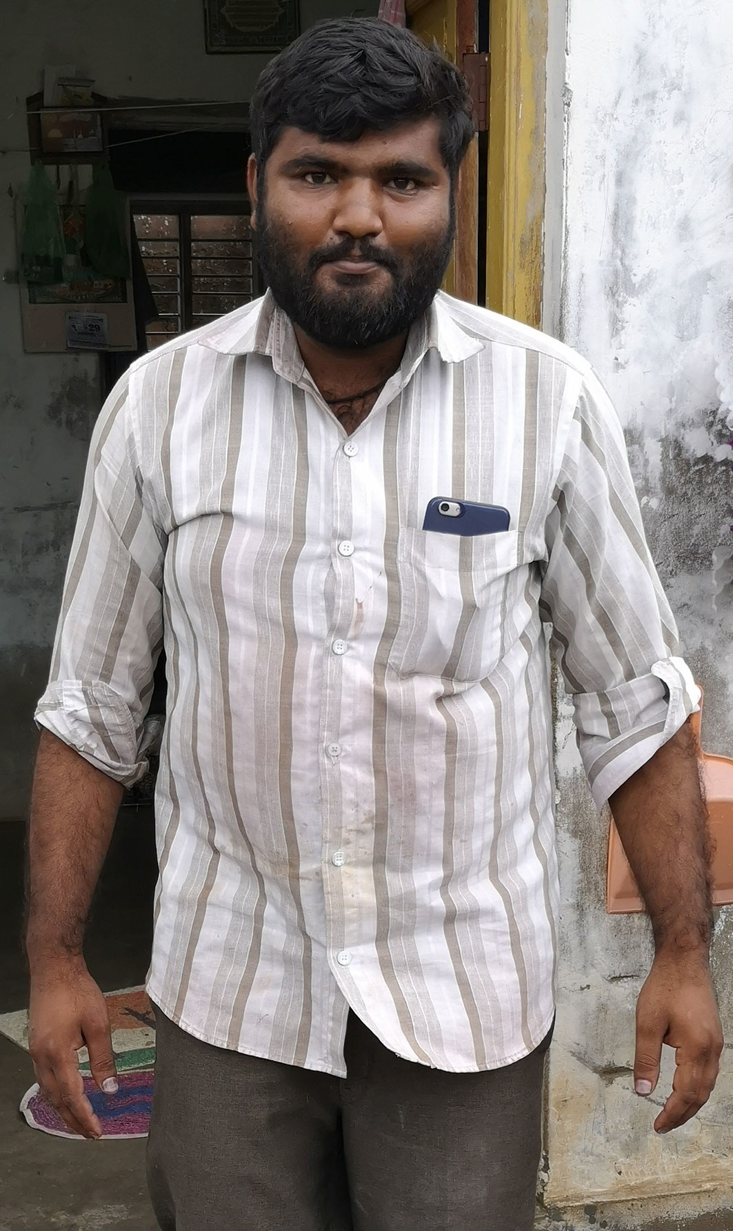 Khalid, maker van de sjaals