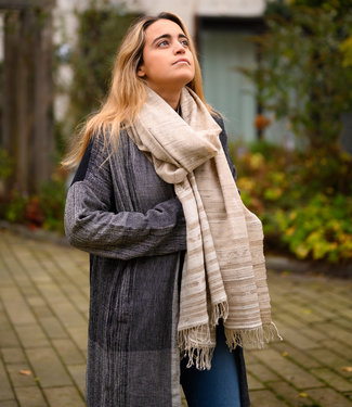 Lightbrow shawl, wool with white silk motif