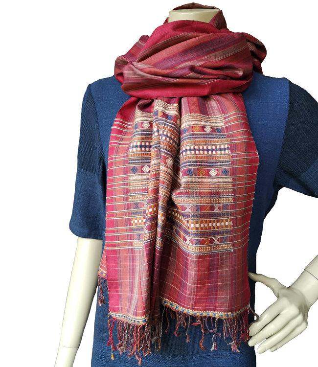 Vankar Vishram Valji  Zijden sjaal rood, handgeweven, natuurlijke kleuren
