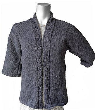 Grey woolen cadigan with cable