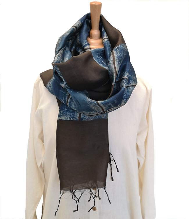 Soham Dave Cotton & silk scarf Indigo-Bruin