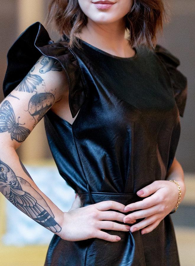 Zin in een leuke avond uit Girl's ? Update je garderobe met deze  zwarte  faux leer jurk .