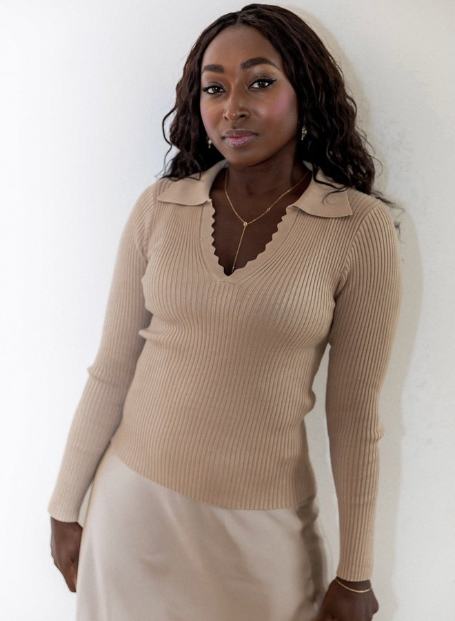 Beige rib-knitted top with V-neck and collar