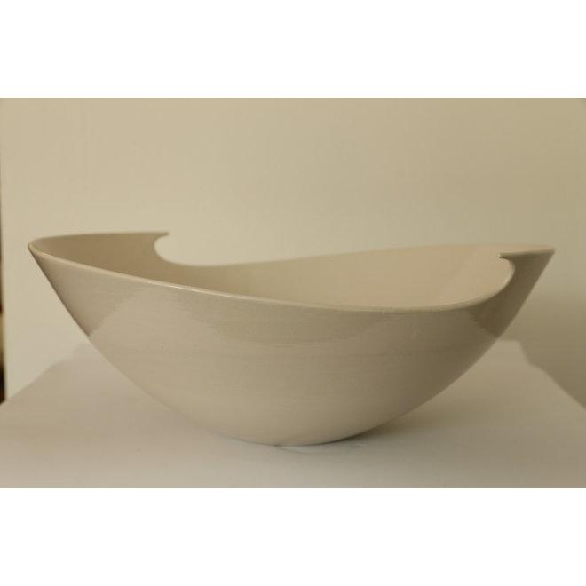 """Bol blanc et de forme pure. Concours du troisième prix """"Clay in motion"""""""