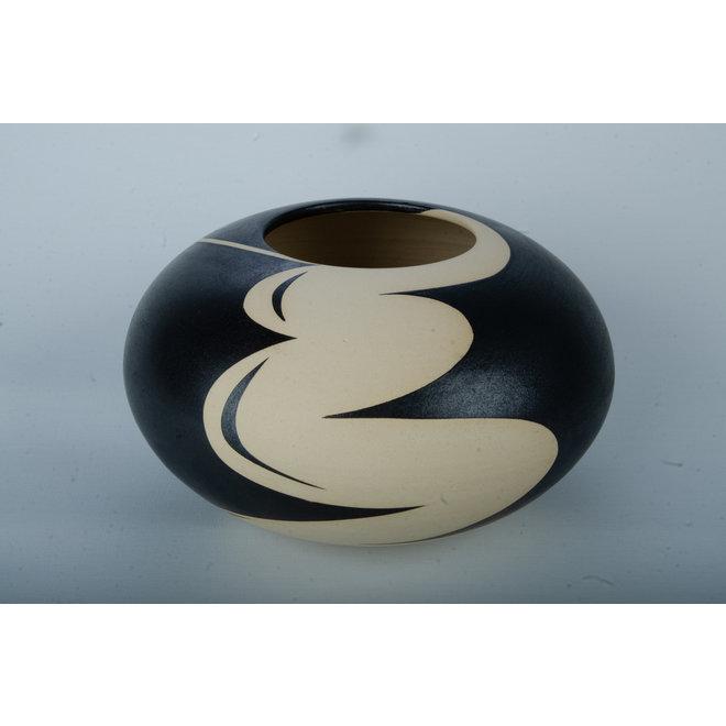 Céramique de la plaque tournante et un dessin fascinant qui renforce le tout dans son art