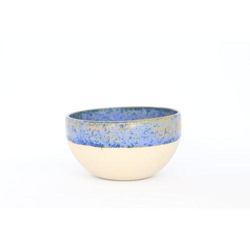 Beige kommetje met blauwe kristalglazuur