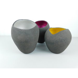 ChiaroEscuro-design Colored vases