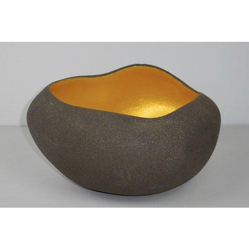 ChiaroEscuro-design Een unieke handgemaakte decoratieve schaal zoals geen ander waar ook maar één exemplaar per model en kleur van te vinden is.
