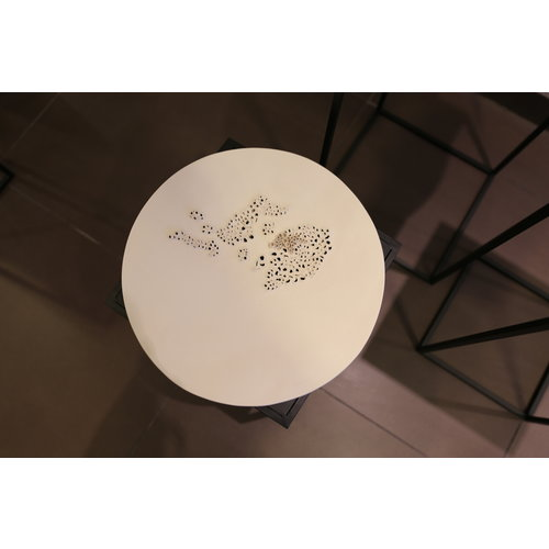 CV-design White bowl with Structure that radiates pure art. Very beautiful as a wall decoration