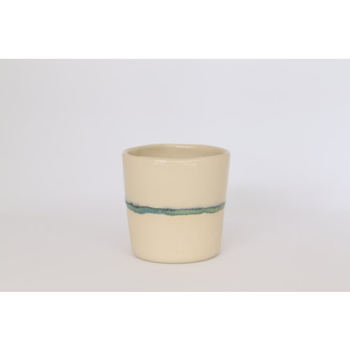 LS-design Ceramic handmade expresso bag of beige cast clay with a green and blue edge