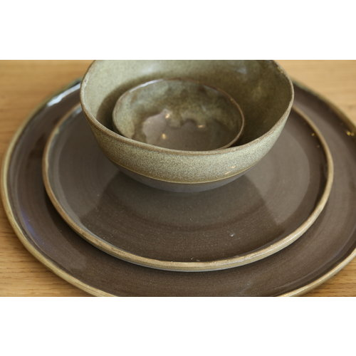 LS-design Small bowl handmade in ceramics from gray clay with a green border